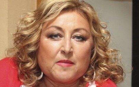 Halina Pawlowská má manželovy ostatky zatím doma.
