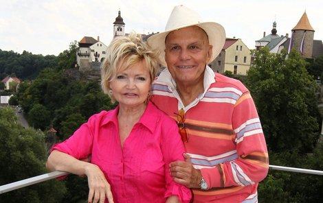 Díky Štěpánce Haničincové se Přeučil seznámil s Evou Hruškovou.