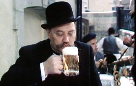 Rudolf Hrušínský si za reklamu pivovaru poručill avii plnou piva.