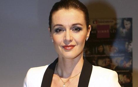 Iva Kubelková na fitko sice nemá čas, ale způsob, jak si udržovat postavu, zná.