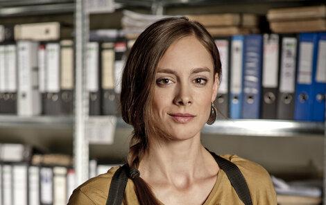 Jana Pidrmanová je sexy ozdobou seriálu.