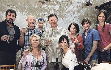 Hrdinové nového komediálního seriálu o víně a lidech kolem něj.