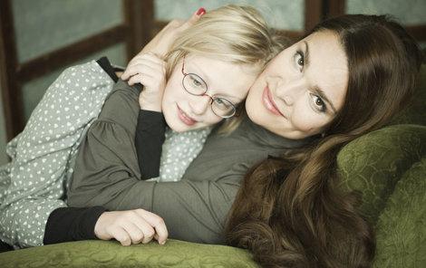 Mahulena Bočanová s dcerkou.