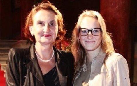 Evě Holubové se po dětech stýská. Dcera Karolína a syn Adam studují ve Velké Británii.