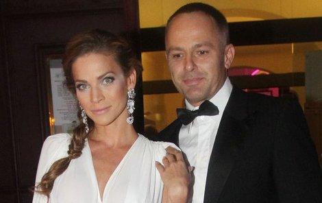 Modelka Andrea Verešová s manželem.