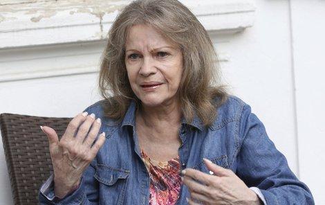 Evu Pilarovou před lety využil nakladatel, který s ní spolupracoval na vydání knihy o léčiteli