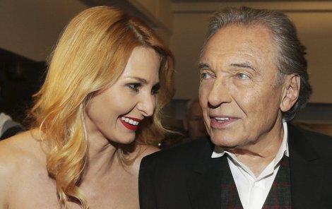 Karel Gott je své ženě rádcem a je to prý i v jeho vlastním zájmu.