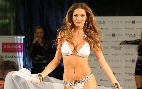 Andrea Verešová je stále krásná.