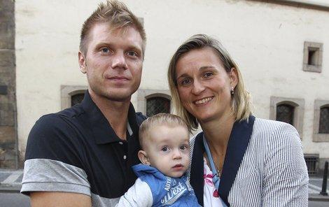Bára s manželem chtějí k Jankovi ještě jedno mimčo.