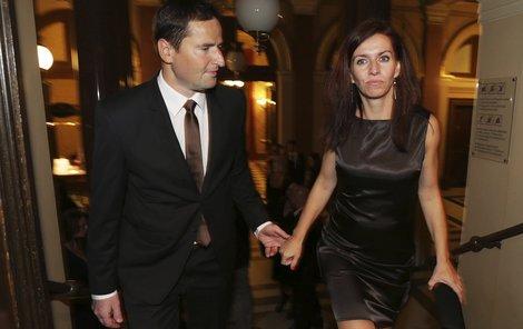 Robert Záruba s Norou Fridrichovou před dvěma měsíci v Rudolfinu. To už byla moderátorka těhotná.