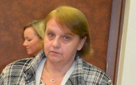 Matka zesnulé rodičky u soudu.