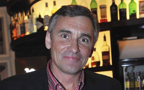 Jana Čenského trápí problémy se zrakem.