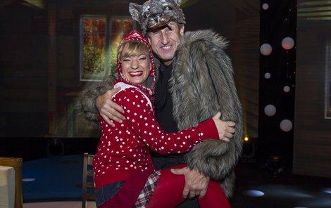 Vlk Vydra s Karkulkou Sandrou Pogodovou.