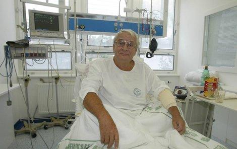 Vladimír Brabec (81) zkolaboval se srdcem na terase svého bytu.