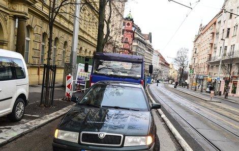 Vinohradská ulice v Praze, tady došlo k nehodě.