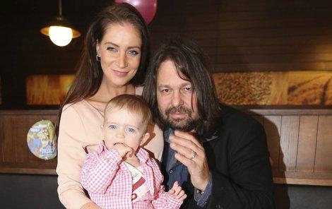 Jiří a manželkou Andreou a dcerkou Aničkou.