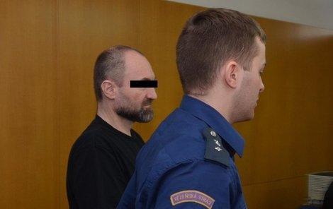 Farář byl odsouzen za znásilnění.