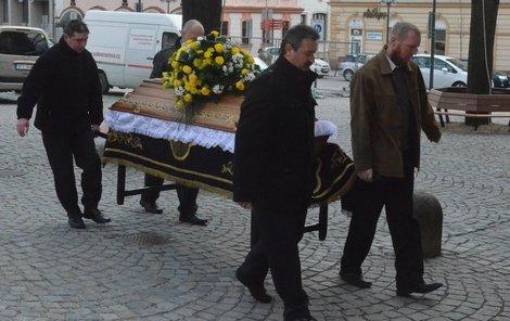 Přátelé a známí se rozloučili s uherskobrodským muzikantem Karlem V. (†66)