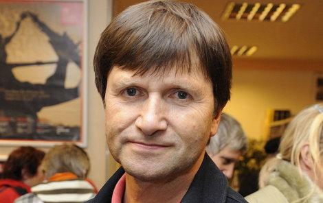Jan Hrušínský (59) se objeví v dalším díle seriálu Hříchy pro pátera Knoxe.