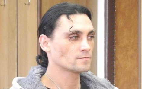 Milan Vencour rozšlápl otčímovi hlavu.