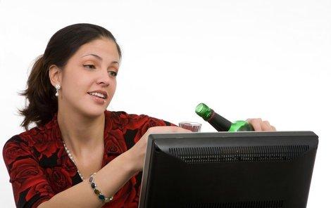 Za alkohol se z práce vyhazuje čím dál častěji.