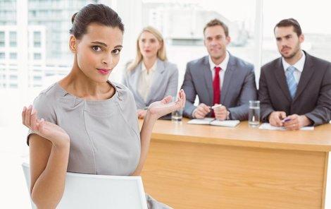 Během pohovoru je dobré působit klidně a sebejistě.