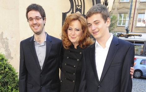 Simona Stašová by ráda mluvila svým synům do výběru partnerek. Ale nemůže...