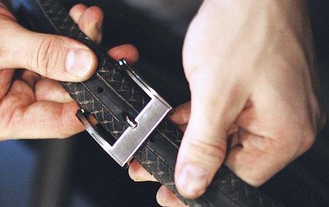 Hotový pásek z pneumatiky.