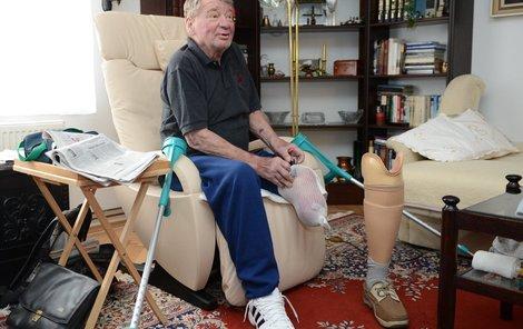 S amputovanou nohou, kterou mu lékaři uřízli v roce 2011, se Jaroslav Holík nakonec naučil žít.