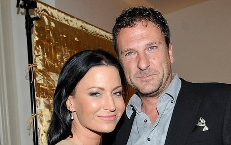 Gábina Partyšová a Daniel Farnbauer tvoří krásný pár.
