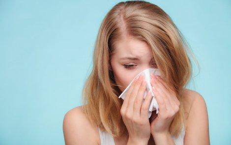 Je to viróza, nebo sezónní alergie?