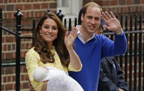 William a Kate už si dcerku odvezli domů.
