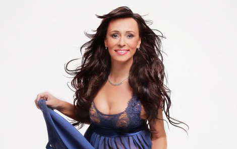 Heidi je i v padesáti sexy žena. Ostatně na TV Barrandov také o sexu otevřeně mluví, moderuje pořad Intim s Heidi Janků.