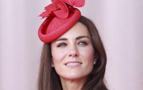 Kate Middleton musí ustoupit od svých plánů mít čtyři děti. Lékaři jí další těhotenství nedoporučují.