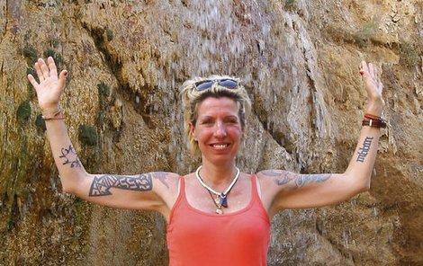 Z vodopádů u horských pramenů byla nadšenější než z moře.