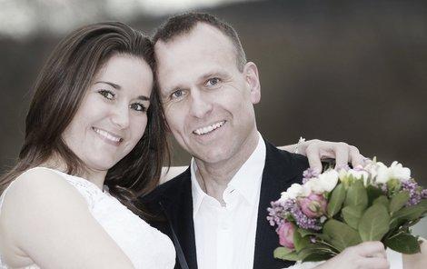 Šárka Záhrobská si Antonína Stracha vzala 9 měsíců poté, co ji v nemocnici požádal o ruku.