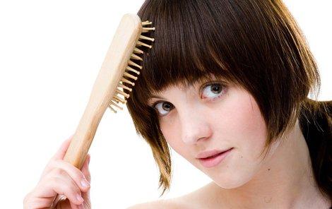 Jak pečovat o vlasy na podzim?
