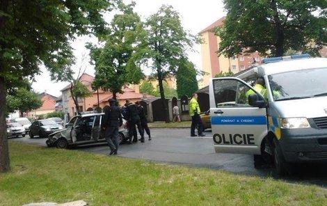Muž nakonec havaroval a policisté ho dopadli.