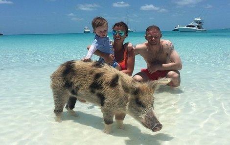 Bahamská atrakce se Rooneyovým moc líbila.