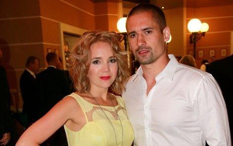 Manžel Tomáš Plekanec je Lucce oporou.