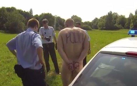 Policistům se naskytl poněkud neobvyklý pohled.