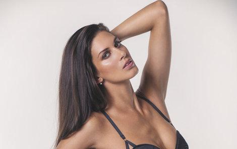Aneta Vignerová je proklatě sexy.