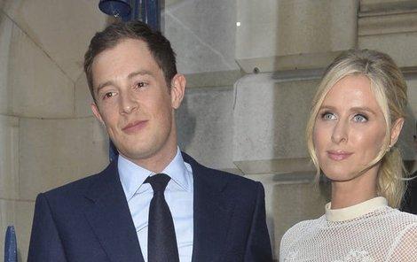 Nicky a James se vzali v Kensigtonském paláci.
