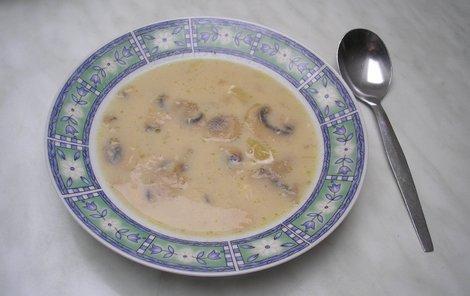 Žampionová polévka.