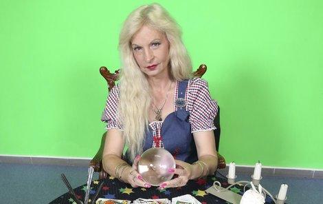Čarodějku Reginu znají lidé i z televize.