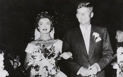 1953 – Svatba s Jackie byla vlastně neplatná.