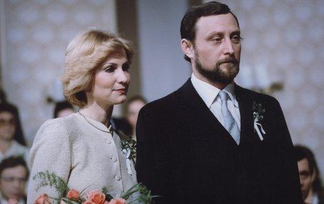 1978: Luxusní šaty od Adama oblékl i představitel Karla Sovy Ladislav Frej (73).
