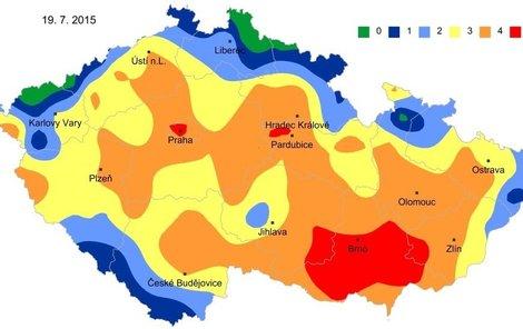 Půdní sucho v hloubce 0 až 100 cm