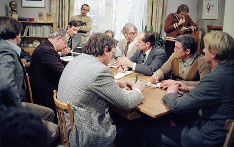 1986: Druhá série seriálu byla odvysílaná až po Dietlově smrti.