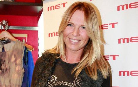 Diana Kobzanová měla v Česku rozjetou kariéru moderátorky. Pak ale vzala kufry a odjela za svou velkou láskou, Michaelem Frolíkem za oceán. Vrátila se už jako maminka.